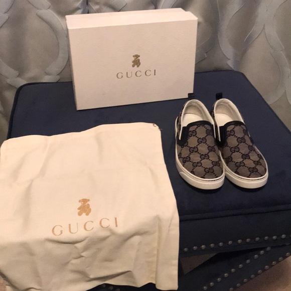 a73f29cd1 Gucci Logo Boat Shoes ( children/ boys). M_5b7e2bb3d6716ac2d9776310